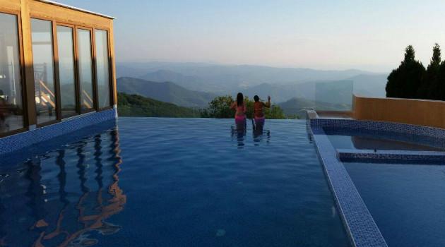 Otvoreni bazen hotela Milmari